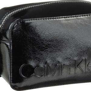 Calvin Klein Umhängetasche Edged Camera Bag Black ab 73.90 (79.90) Euro im Angebot