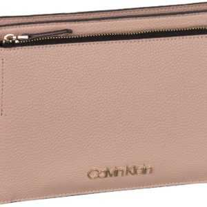Calvin Klein Umhängetasche Sided EW Crossbody Nude ab 87.90 () Euro im Angebot