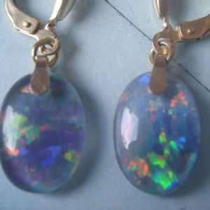 Opal Ohrhänger lang Gold 333, Ohrhänger hochwertig farbige Opal Tripletten 14 mm