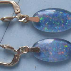 Opal Ohrhänger lang Gold 333, Ohrhänger hochwertig farbige Opal Tripletten 16 mm