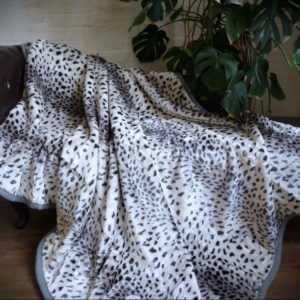 KUSCHELDECKE Tagesdecke Wohndecke Decke Plaid Schnee - Leopard