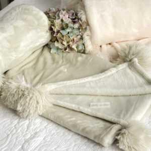 Kuscheldecke Lindgrau Plüschdecke Tagesdecke Couchdecke Decke