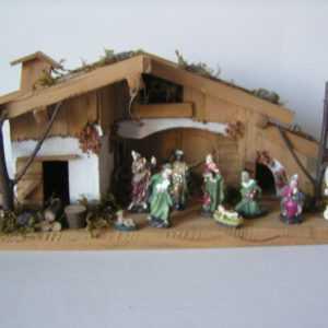 Weihnachtskrippe mit 11 Figuren, Krippe, Holzhaus, Weihnachten, Krippenhaus