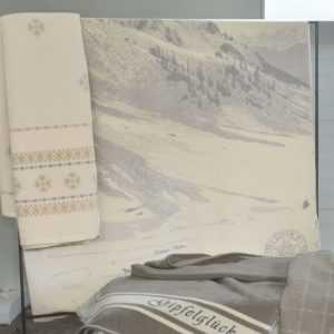 David Fussenegger Kurzflor- Wohndecke Montana Alpin grau