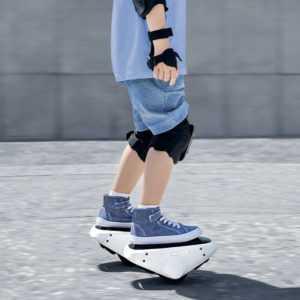 Xiaomi Mijia Smart E- Selbstausgleichende E-Skates Hovershoes Roller Schuhe B9C6