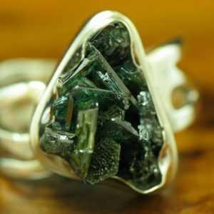 925 Sterling Silber Ring mit Korund Besatz / Echtsilber / 5,1g / RG 53