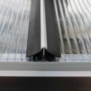 Pergart Gewächshaus Windsicherung für die Hohlkammerplatten für 8300/9900/11500