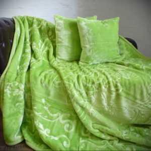 3tlg. Set Luxus Tagesdecke Kuscheldecke Decke hell - grün + 2