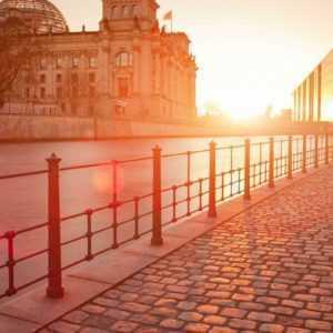 Berlin Lichtenberg Kurzurlaub Reise für 2 Personen Hotel Gutschein 3 oder 4 Tage