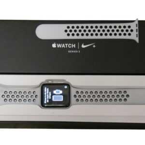 Apple Watch Nike+ Series 3 42mm Aluminiumgehäuse Silber Sportarmband MQL32ZD/A
