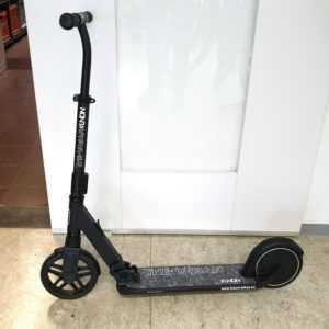 The URBAN LNDN Scooter E-Tretroller bis 20 Kmh schnell nur 8,4Kg bis 10 Km neuw.