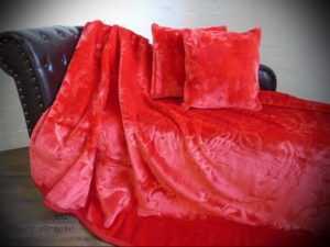 3tlg. Set Luxus Tagesdecke Kuscheldecke Decke rubin - rot + 2