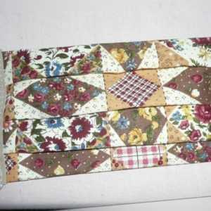 Behelfs/Gesichtsmaske aus Stoff,  handgenäht 3lagig, Blumen