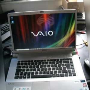 """Sony Vaio VGN-FW31J 16,4"""" Notebook -2,00 GHz -4GB-400GB-Blue Ray-BT-Win 10"""