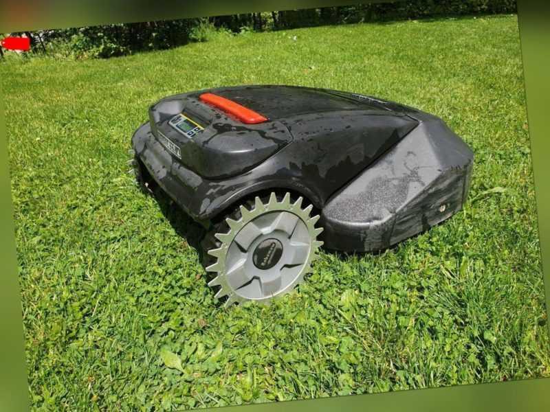 Rasenroboter Spikes Robomow TC/ TS  Mähroboter