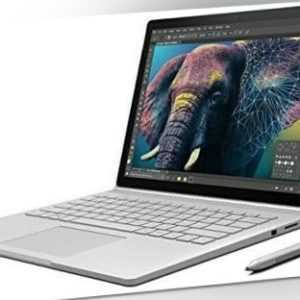 Microsoft Surface Book 13.5 Zoll 8GB RAM 128GB SSD silber - Akzeptabler Zustand