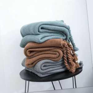 Strickdecke Modisch Weiche Kuschelige Zudecke Ideal für Sofa Bett