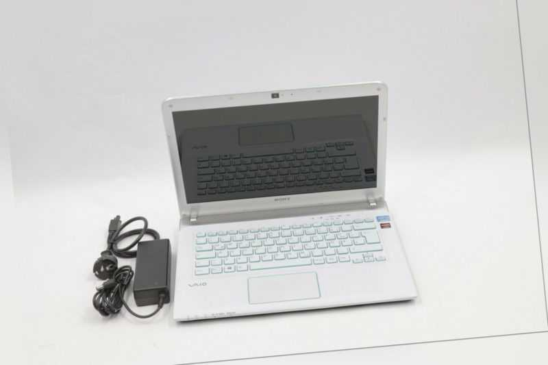 "Sony SVE14A3M1EW 14"" i3 3rd Gen 4 GB RAM 500 GB HDD - vom Händler #932"