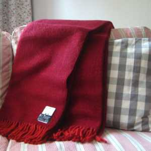 D&T Design Wolldecke 200x130cm 100% Schurwolle Farbe Rot