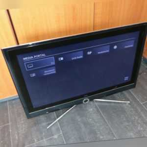 Loewe Connect 32 81cm 32 Zoll LCD LED Full HD 1080p TV Fernseher HDMI DVB-C /-T