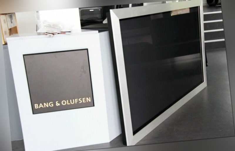 Bang Olufsen BeoVision 4-65 Plasma ( HD Ready ) Display / Monitor - TOP