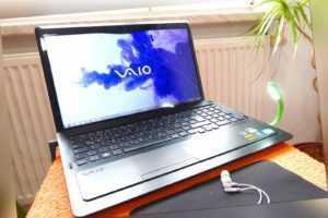 Sony Vaio F23 l 16 Zoll FULLHD l SSD NEU l 16GB RAM l Windows 10 l QUAD Core i7