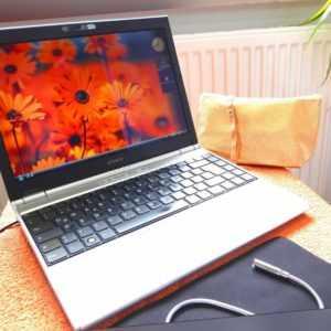 Sony Vaio VGN SZ5XWN CARBON SubNoteBook l 240GB SSD NEU l 13 Zoll HD l GeForce
