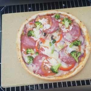 Bearbeitete Pizzaplatte 40 x 30 x 4 cm Backofenplatte  Brotbackstein Grillstein