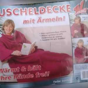 Kuscheldecke Decke mit Ärmeln 180 x 140 cm 100% Polyester BORDEAUX