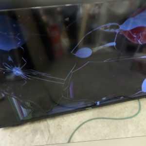 Samsung UE40JU6050U Transportschaden Panelbruch