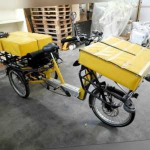 Draisin Postbike Pedelec e-Bike Lieferrad Lieferfahrrad Transportrad Dreirad