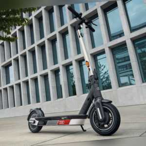 Original Audi electric scooter powered by Segway Ninebot MAX G30D E-Scooter Audi