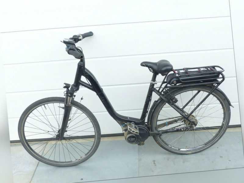 """Fahrrad E-Bike 28"""" mit Akku Bosch Powerpack 400 Active Line unvollständig"""