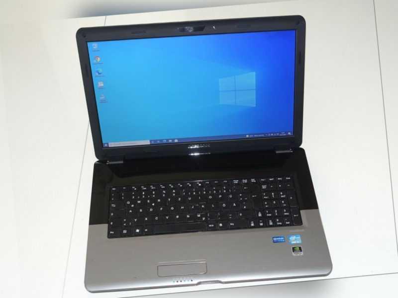 Medion Akoya E7218 17,3 Zoll, Intel Core i3 2/4 x2,3GHz, 4GB, 320GB Notebook