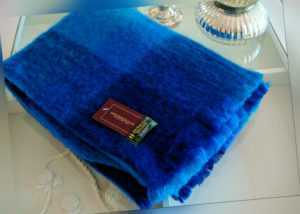 John Hanly Irland Mohairdecke Wolldecke Farbe Blau Türkis