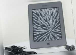 Amazon Kindle Touch WLAN (5. Gen.) Silbergrau B011** ebook ereader *TOP*